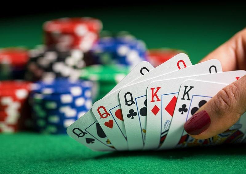 judi poker bola online